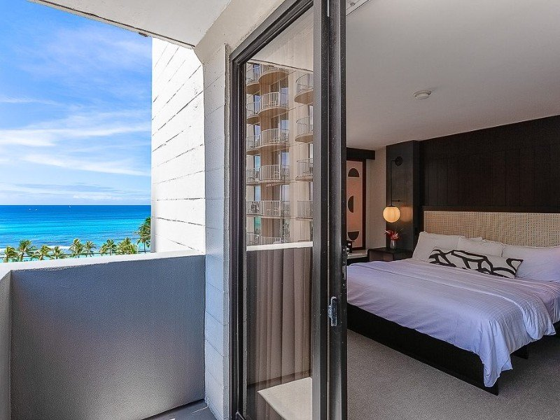 Hotel Renew by Aston – Honolulu, Oahu
