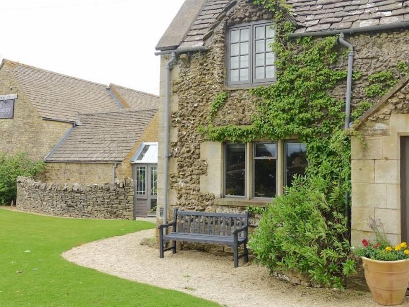 The Ragged Cot Inn, Minchinhampton, England