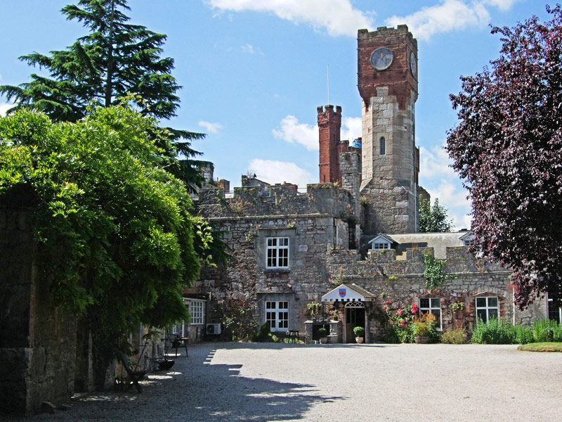 Ruthin Castle: Ruth, Wales