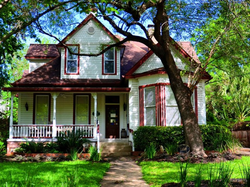 Brava House Boutique Bed and Breakfast