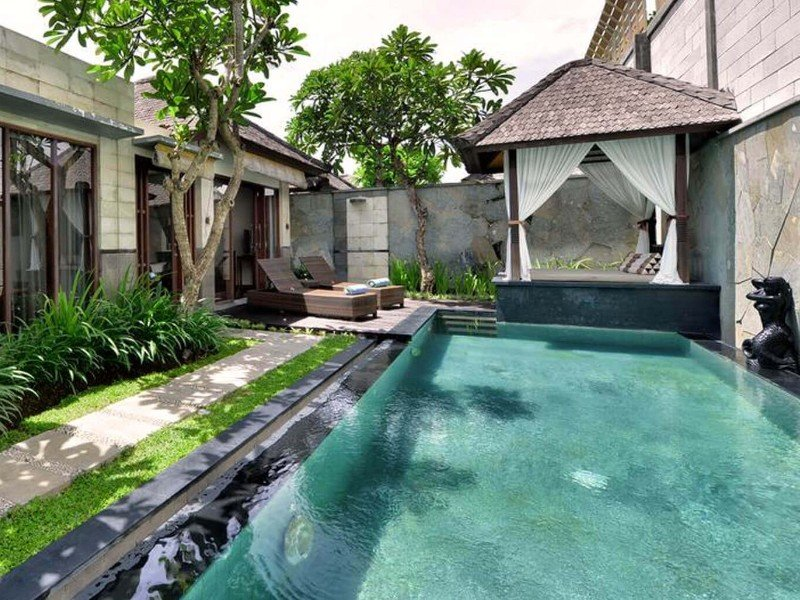 Khayangan Luxury Resort Villas