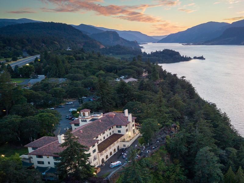 Columbia Gorge Hotel