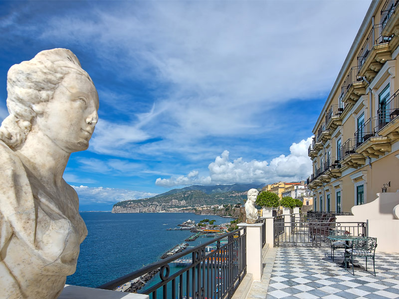 Top 17 luxury hotels and resorts on italy s amalfi coast for Hotel luxury amalfi