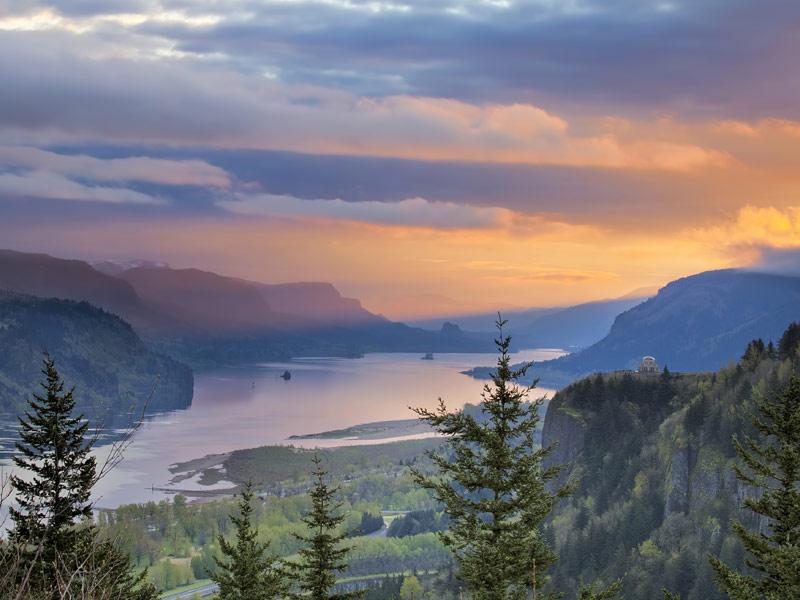 Columbia River Gorge, Portland