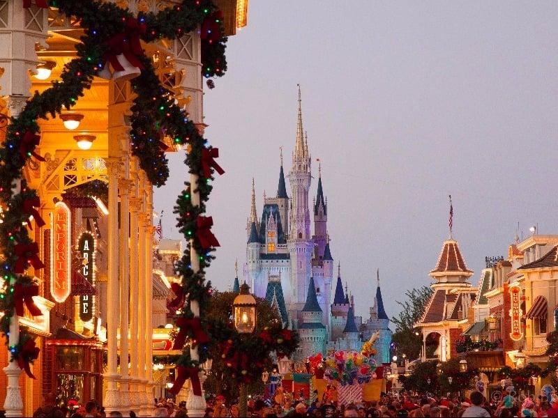Mickey's Very Merry Christmas Party, Disney