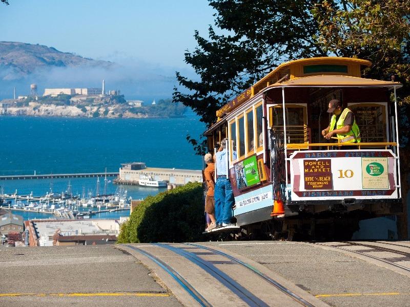 famous cable car, San Francisco