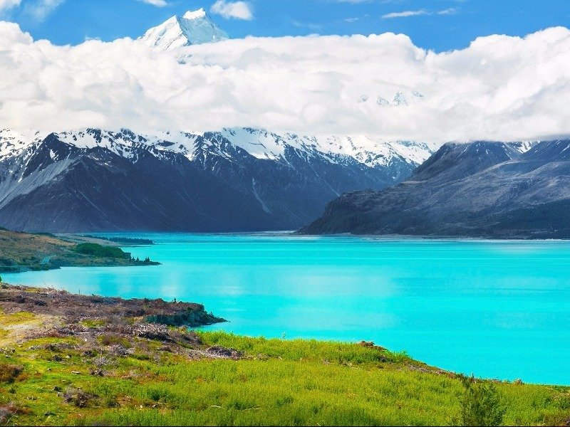 Lake Pukaki with Mt Cook in the backdrop, South Island, New Zealand