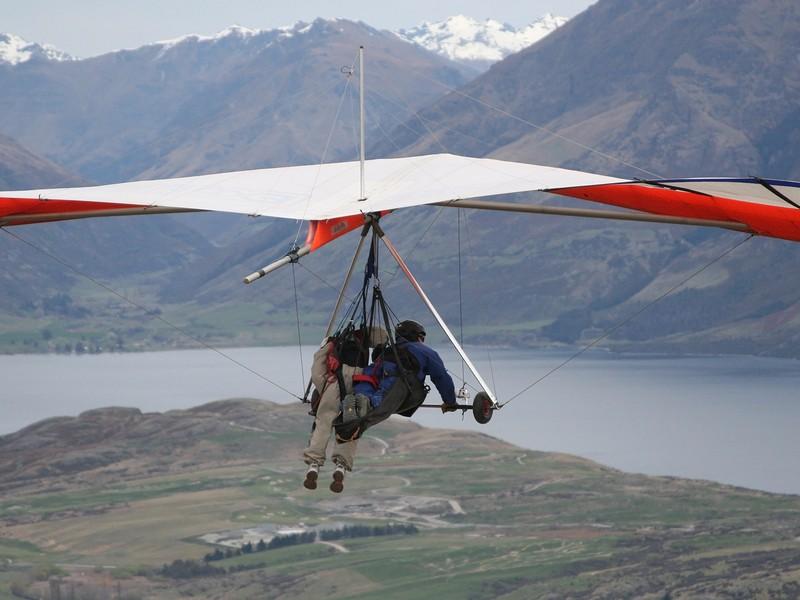 Hang gliding in Queenstown, New Zealand