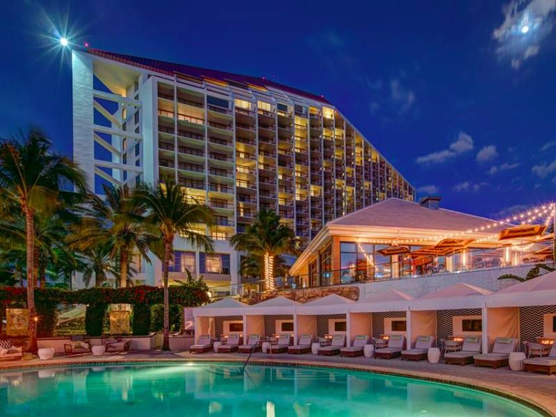 Naples Grande Beach Resort, Naples