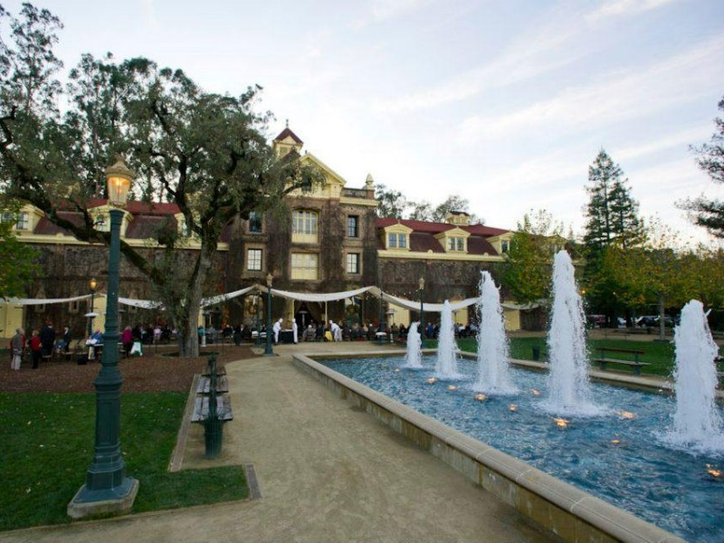 Fountains at Inglenook Winery