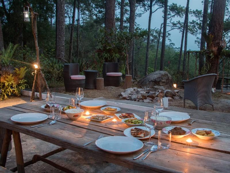 Outdoor dining at Kirirom Mountain Lodge