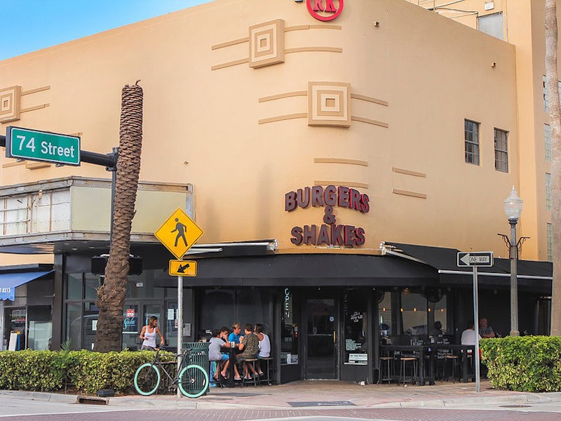Burgers & Shakes, Miami Beach