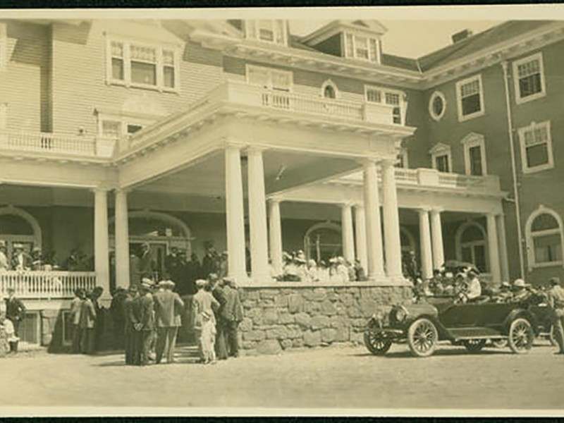 historic photo of the entrance to Stanley Hotel