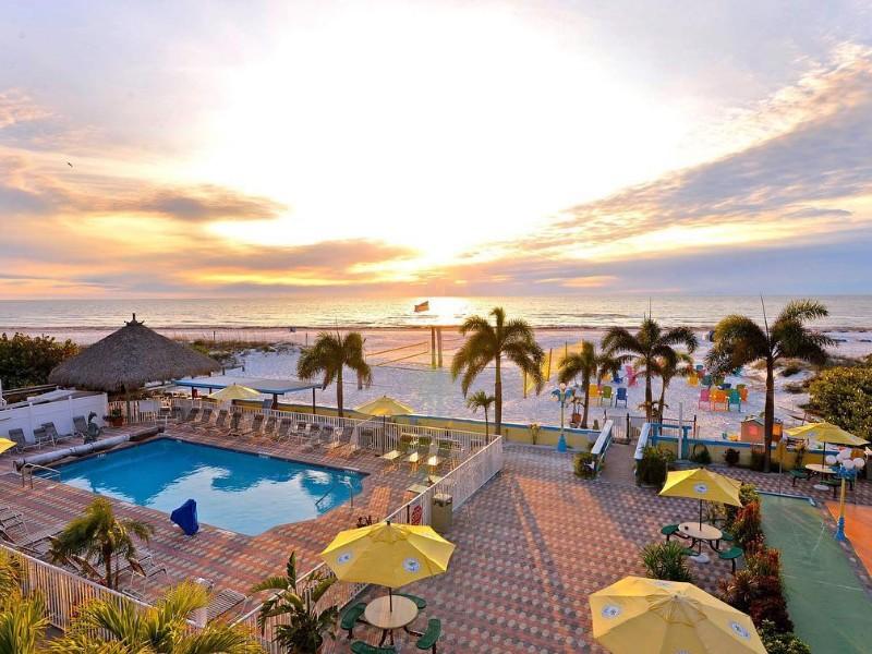 Plaza Beach Hotel - Beachfront Resort, St. Pete Beach