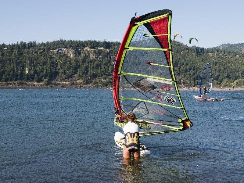 windsurfing Columbia River, Oregon