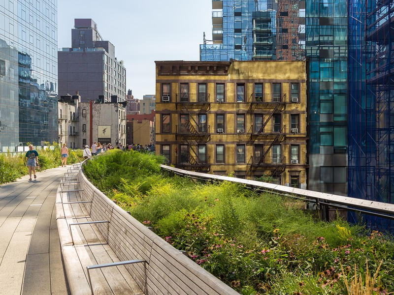 High Line Park, elevated linear park, green way and rail trail