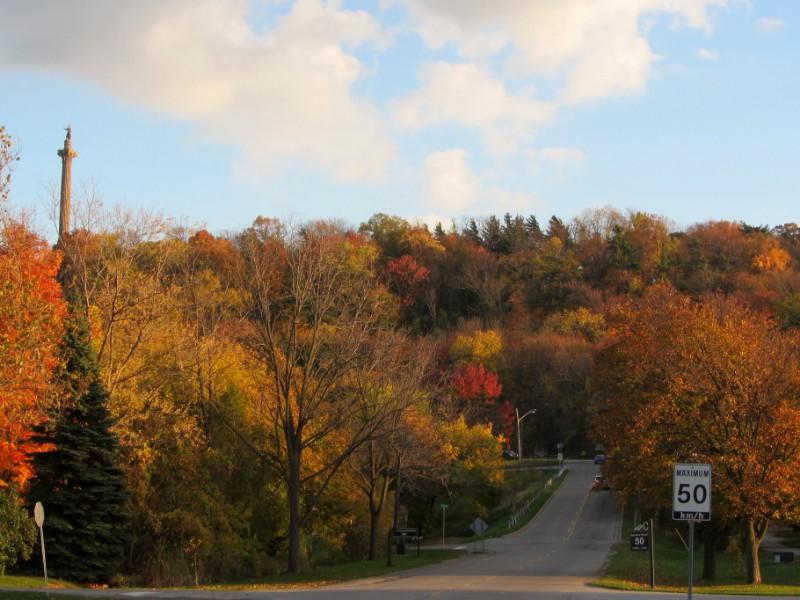 Niagara Parkway, Ontario in the fall