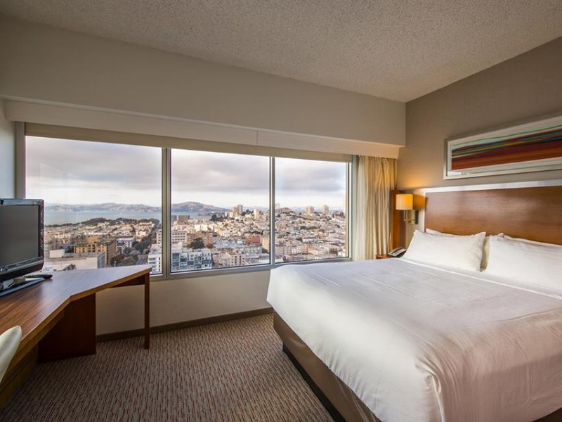 At the Holiday Inn San Francisco Golden Gateway, kids stay and eat for free.