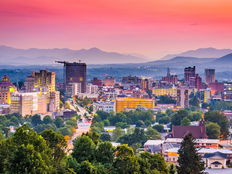 The beautiful town of Asheville, NC is nestled at the foot of the Blue Ridge Mountains.