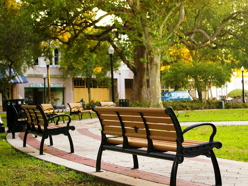 Downtown Lakeland has lots of shops, boutiques and antique shops to explore.