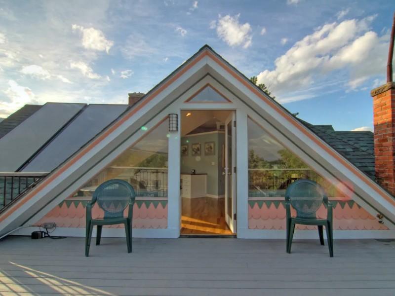 Airbnb Downtown Penthouse Decks & View, Boulder, Colorado