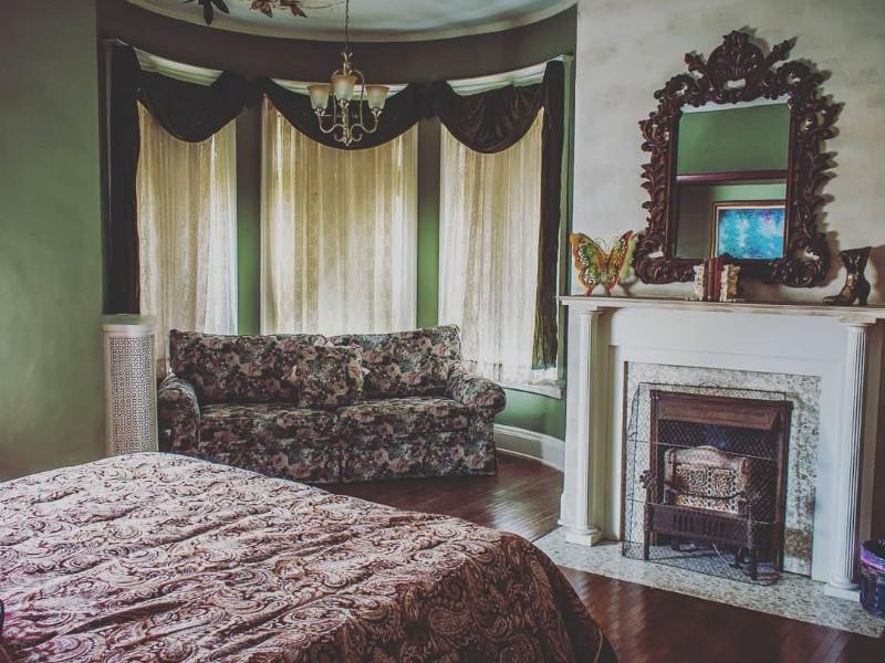 Cozy room at Castle Inn Bed & Breakfast