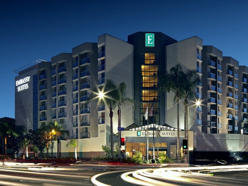 Entrance of Embassy Suites LAX North