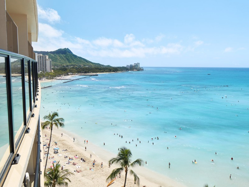 Outrigger Waikiki Beach Hotel overlooking the Pacific Ocean, Hawaii