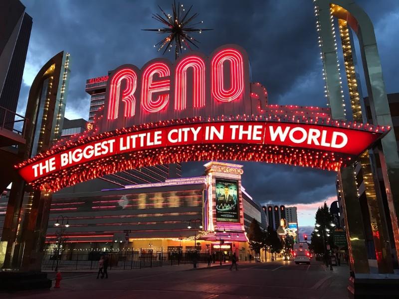 Reno sign at night