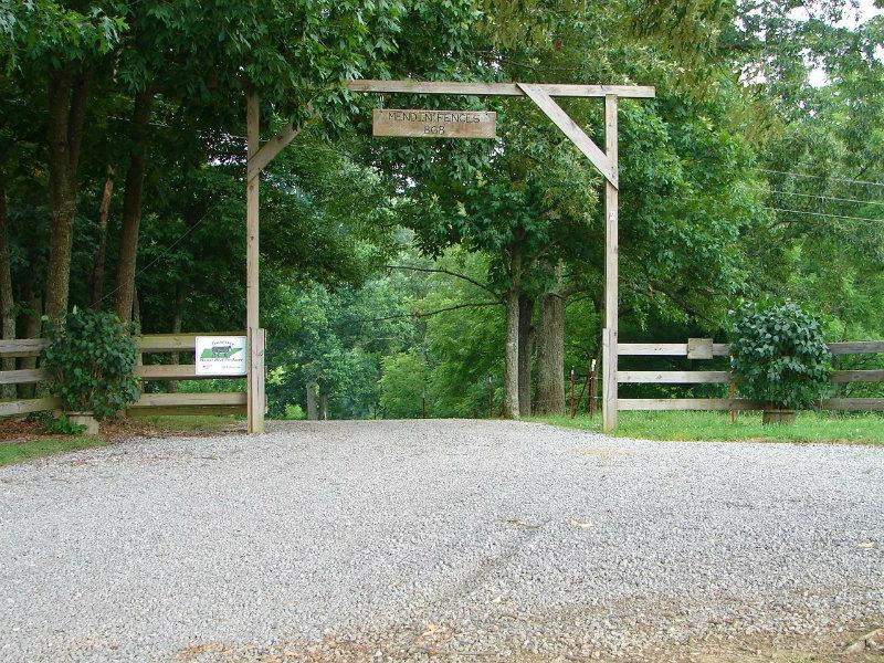 Mendin' Fences Farm