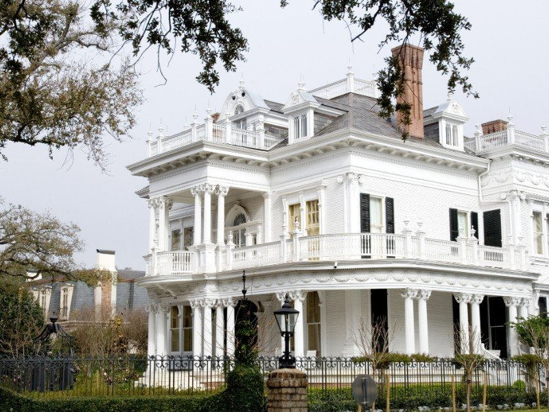 White mansion in traditional style in New Orleans' Garden district