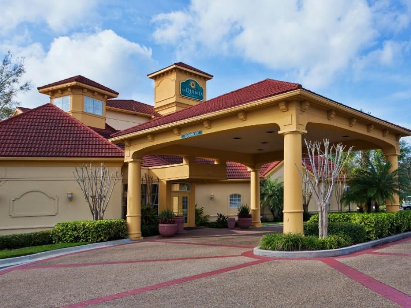 La Quinta Inn & Suites by Wyndham USF