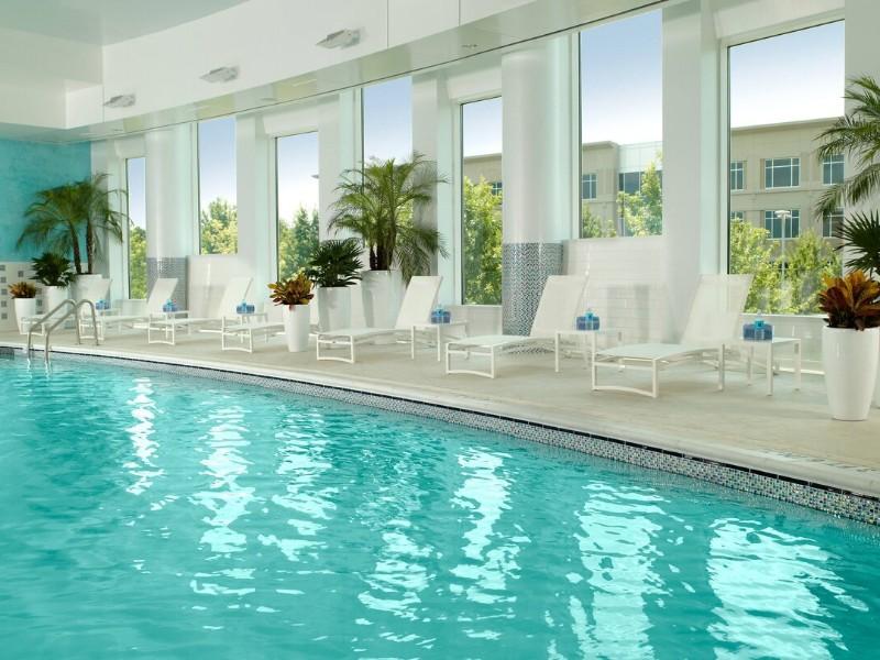 Pool at Atlanta Airport Marriott Gateway