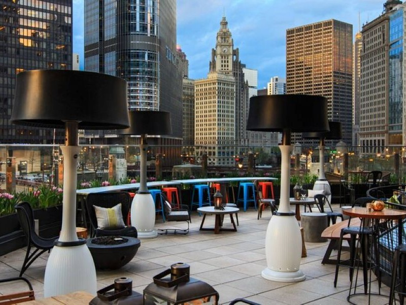 Rooftop bar at Renaissance Chicago Downtown Hotel