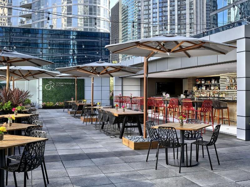 Streeterville Social Rooftop Bar Loews Chicago
