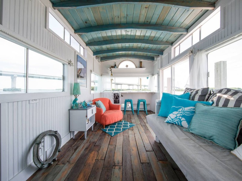 A Pirates Life For Me: Houseboat Downtown w/ Bikes Charleston, SC Airbnb