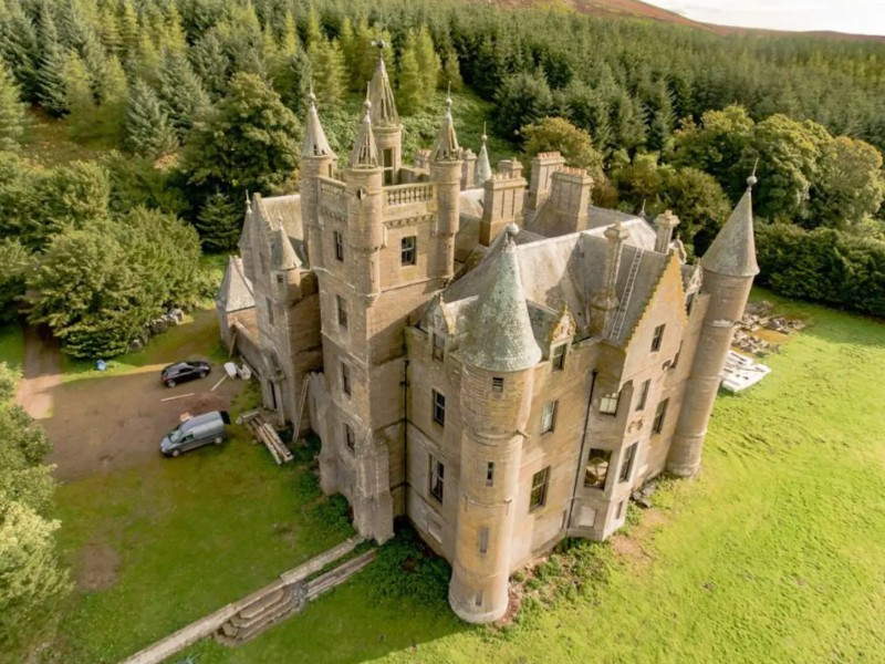 Balintore Castle, Angus, Scotland Airbnb
