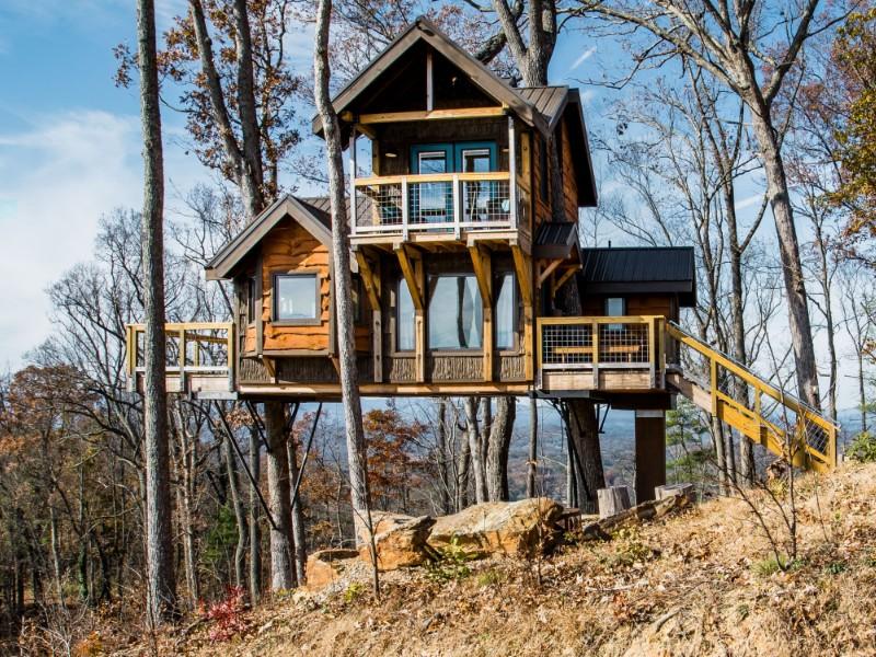 Dreamy Treehouse Retreat