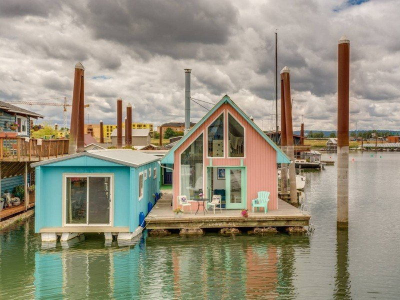 Unique, Romantic and Fun Floating House, Portland Oregon Airbnb