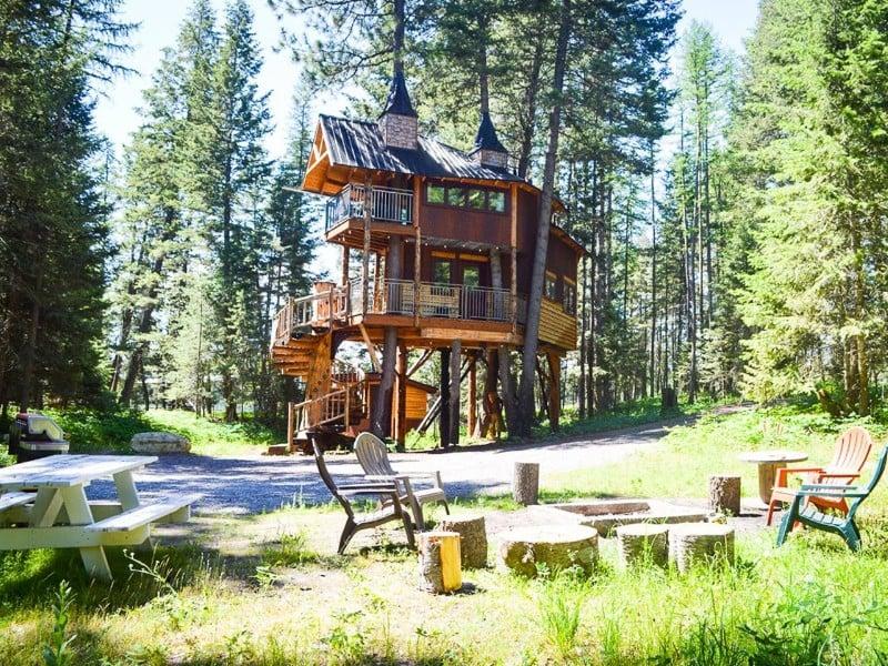 Montana Treehouse Retreat Near Glacier Park
