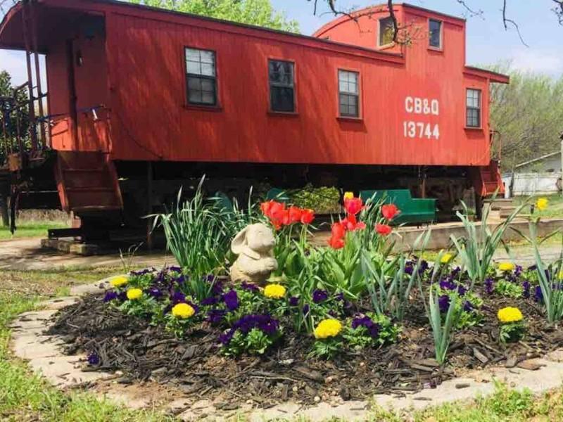 Oklahoma City 1925 Red Caboose, Jones, Oklahoma Airbnb