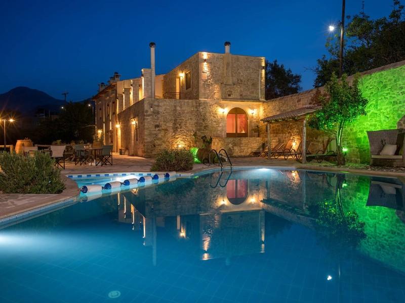 Renovated villa in Crete, Airbnb