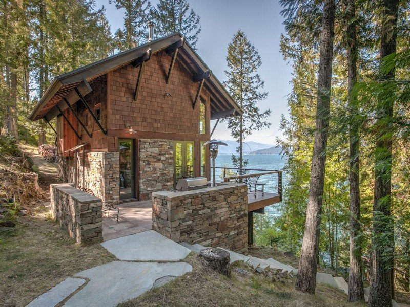 Romantic Four Season Retreat Private Lakefront Gem
