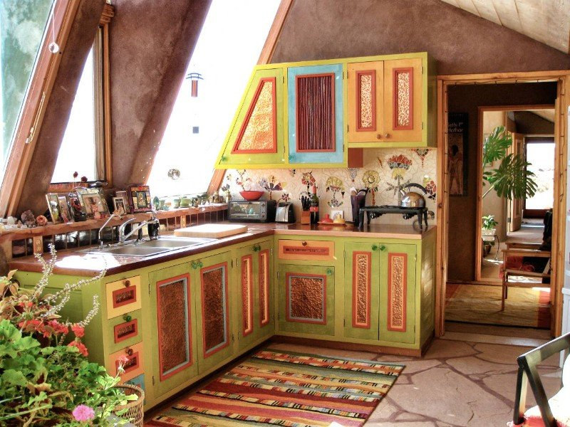 Taos Earthship: Oddhouse, Airbnb New Mexico
