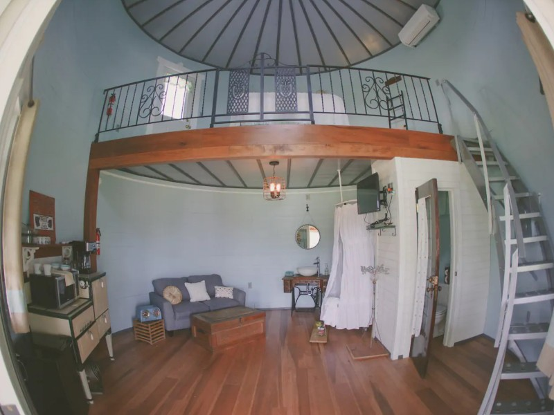 The Has Bin, Illinois Airbnb
