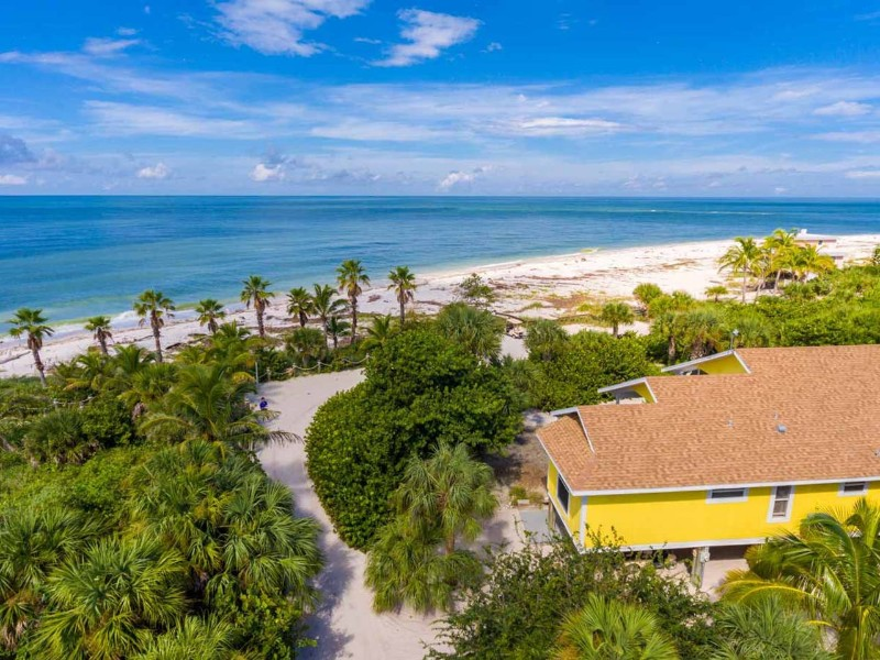 Beachfront home on Stunning Island - Captiva, Florida