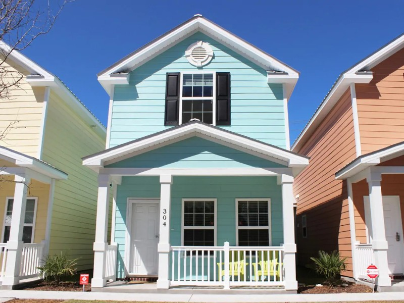 Beautiful Comfortable Cottage One Block To Beach - Myrtle Beach, South Carolina