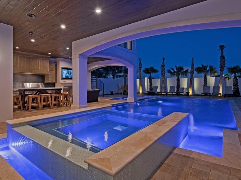 Luxurious pool home in Destin, FL