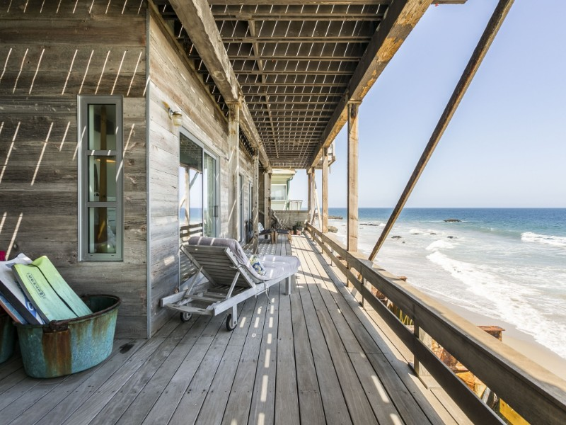 Idyllic, Romantic Beachfront Apartment - Malibu, California