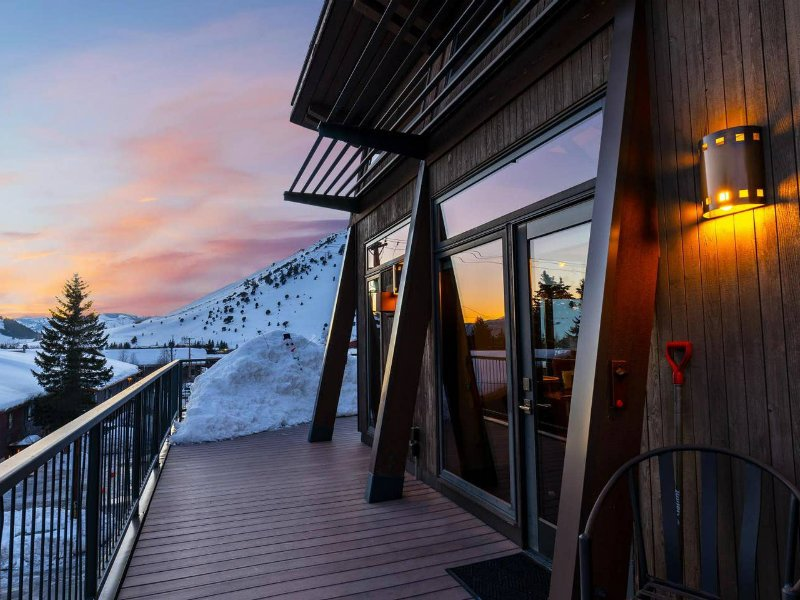 Luxe Penthouse with Mountain Views & Private Hot Tub
